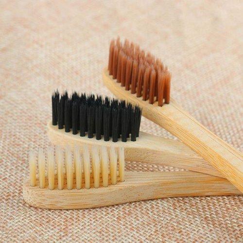 gestes eco-responsables Brosse à dents en bambou