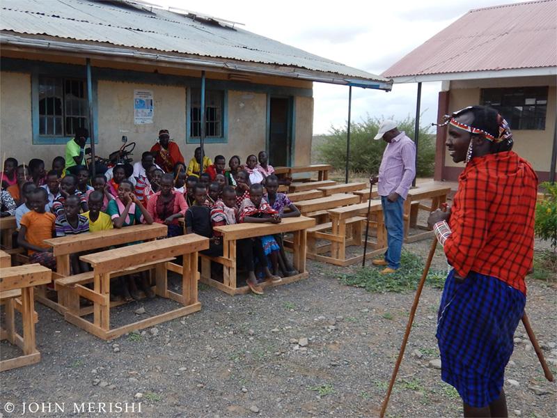 Plantation d'arbres au Kenya et sensibilisation auprès des enfants
